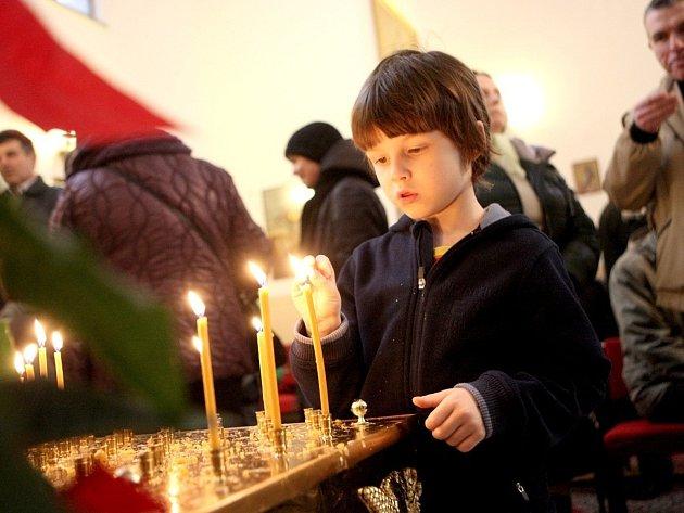 Ačkoli většina Brňanů už za vánočními svátky zavřela dveře, pravoslavným věřícím teprve začínají.