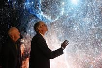 Novou expozici Říše mlhovin Hvězdárny a planetária Brno mohou od čtvrtka zhlédnout první návštěvníci. Otevření doprovodilo setkání bývalých kosmonautů.