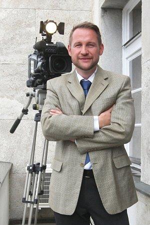 Nový ředitel brněnského studia České televize Jan Souček chce pracovišti vrátit ztracenou prestiž. Mimo jiné novými projekty navazujícími na Četnické humoresky.