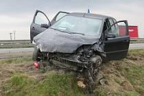 Řidič jel v protisměru. Byl zdrogovaný.