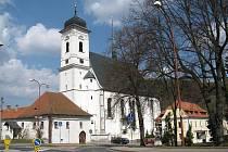 Kostel Povýšení Svatého kříže v Doubravníku.