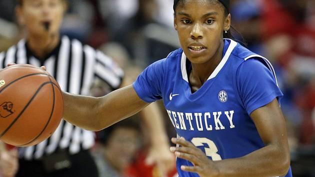 Než se vydala do Evropy, hrála Thompsonová za Univerzitu v Kentucky.