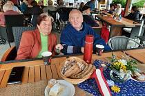 Zahradní slavnost potěšila klinety SeniorCentra v Modřicích.