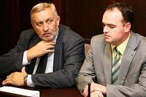 Rostislav Coloň u brněnského soudu (vpravo).