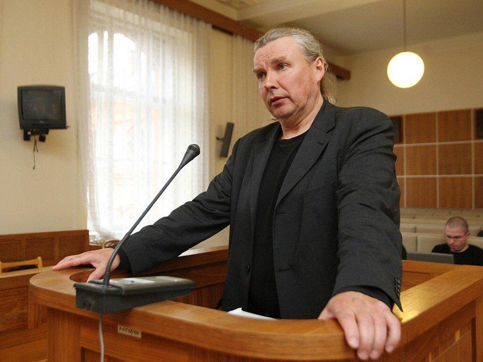 Podnikatel Jiří Štopl u brněnského soudu.