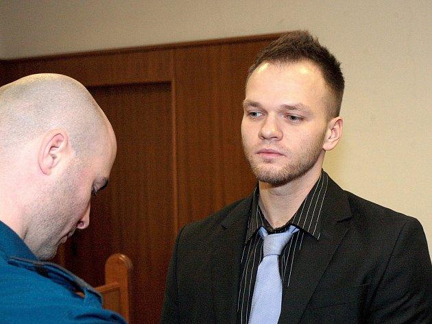 Martin Fuchsa před Krajským soudem v Brně. Podle obžaloby autem úmyslně najel do hloučku lidí.