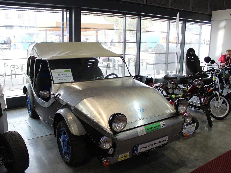 Elektromobily na veletrhu Amper. Začal na brněnském výstavišti.