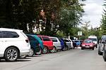 Parkování u Dětské nemocnice v Brně.
