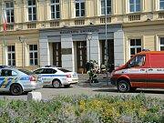 Výbuch v budově rektorátu Masarykovy univerzity v Brně.