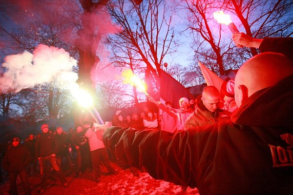 Zbrojováci pochodovali Brnem za Lužánky.