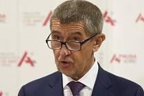 Návštěva premiéra a ministra zdravotnictví ve Fakultní nemocnici u sv. Anny v Brně - premiér Andrej Babiš.