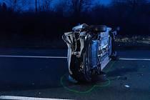 Ve středu ráno se střetla dvě osobní auta na silnici I/43 ve směru na Svitavy. Řidiči se zranili, silnice byla hodinu neprůjezdná.