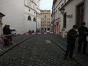 V Dominikánské ulici se propadla vozovka.