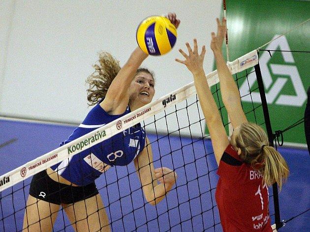 S letošní evropskou premiérou si brněnské volejbalistky hlavu příliš nelámaly. Linec dostal v Králově Poli výprask 3:0.