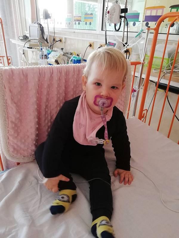 Dvouletá Beáta Laposová se vzácnou poruchou