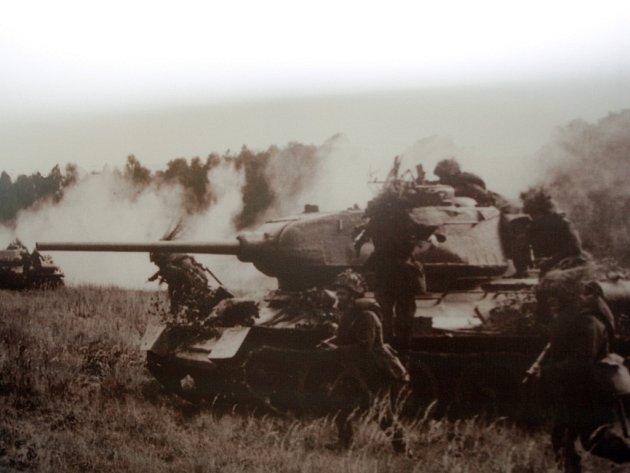 Návštěvníci Technického muzea na výstavě uvidí, jak se postupně vyvíjela vojenská výstroj a výzbroj.