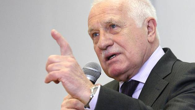 Exprezident Václav Klaus navštívil Ekonomicko-správní fakultu Masarykovy univerzity v Brně, kde se studenty diskutoval o Evropské unii.