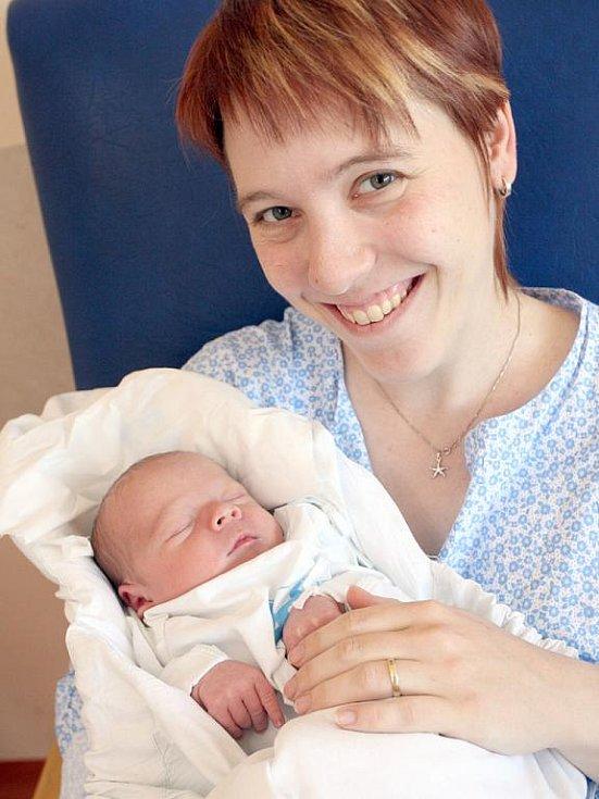 Radek Lichka z Brna nar. 8.7.2010 s maminkou Evou