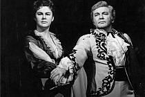 Don Giovanni: Zdenka Kareninová (Donna Anna), Zdeněk Švehla (Don Ottavio).