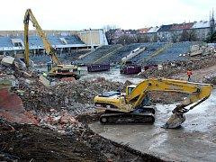 Stadion za Lužánkami je skoro srovnán se zemí.