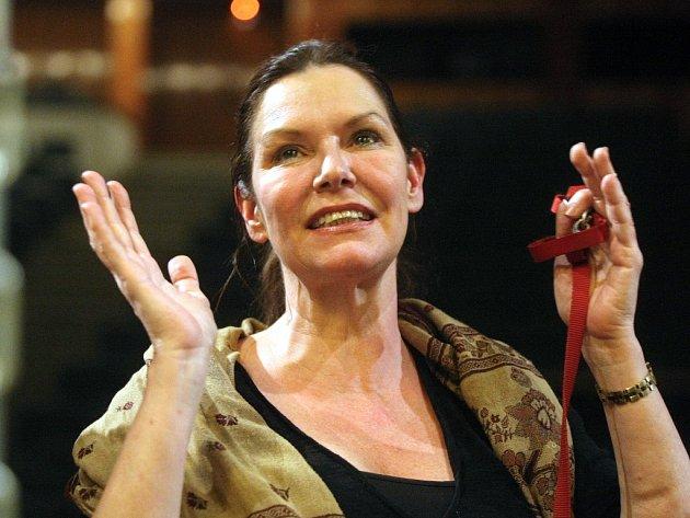 Opera Elektra, kterou v režijním nastudování Rocca uvedlo Národní divadlo Brno, poutá výkonem hostující pěvkyně Janice Bairdové.