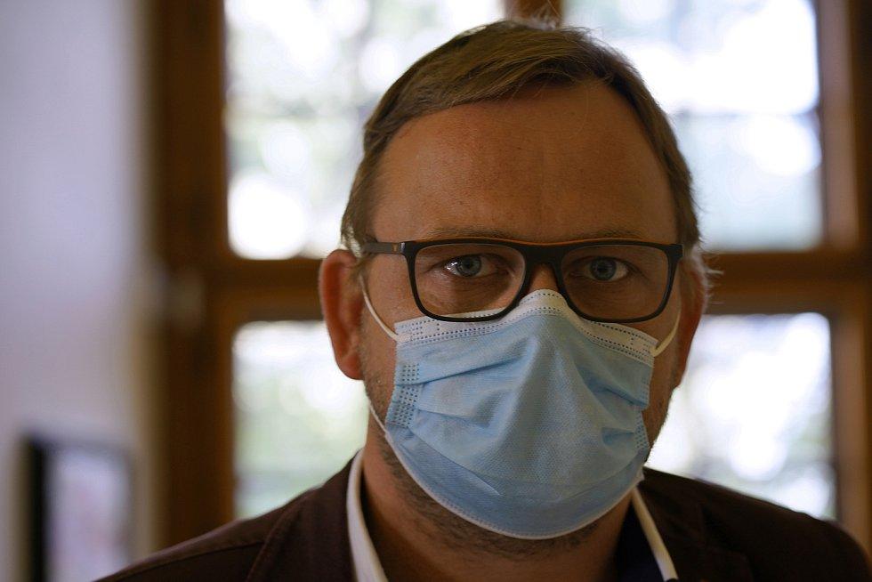 Libor Bláha (SPD) na předvolební debatě jihomoravského Deníku v Mikulově.