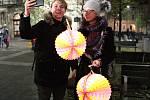 Připomínka výročí sedmnáctého listopadu v Brně. Lampionový průvod vyšel z Moravského náměstí.