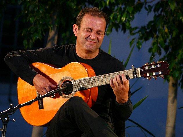 Mezinárodní kytarový festival  2010 zahájila Noc flamenca.