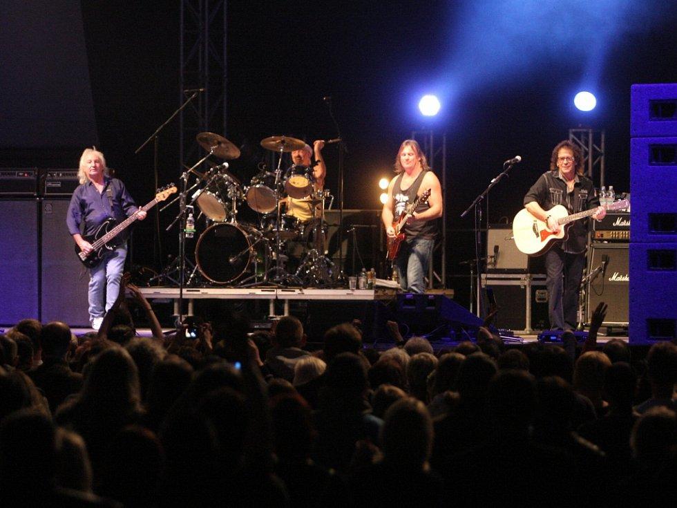 Potřetí za posledních pět let se do Brna vrátila anglická glam-rocková skupina Smokie.