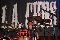 Heavymetalová kapela L. A. Guns - bubeník Steve Riley.