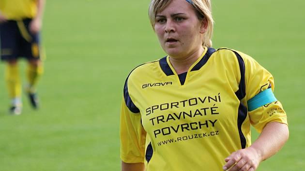 Kapitánka Nesytu Hodonín Ilona Podrazilová vstřelila proti ligové Zbrojovce Brno vedoucí gól zápasu.