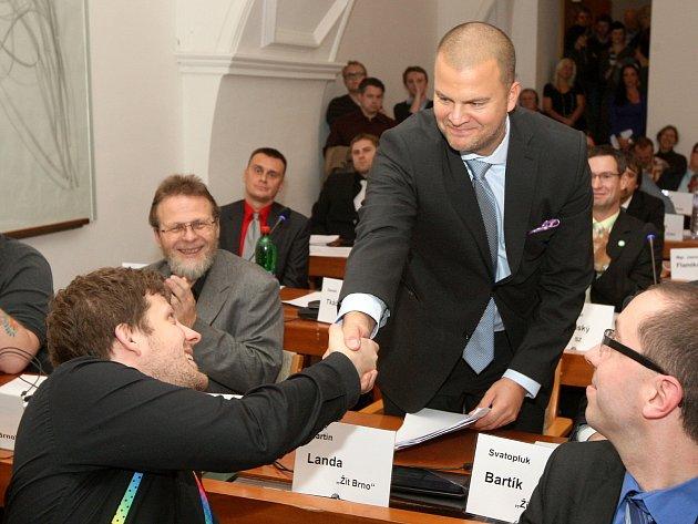 Zastupitelstvo Brna-střed zvolilo za nového starostu Martina Landu z hnutí Žít Brno.