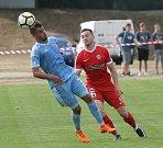 Zbrojovka se v přípravném zápase střetla se Slovanem Bratislava. Na snímku Přichastal (B) a Sukhotskyj (SL).