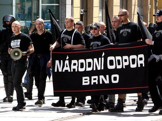 Pochod národího odporu.