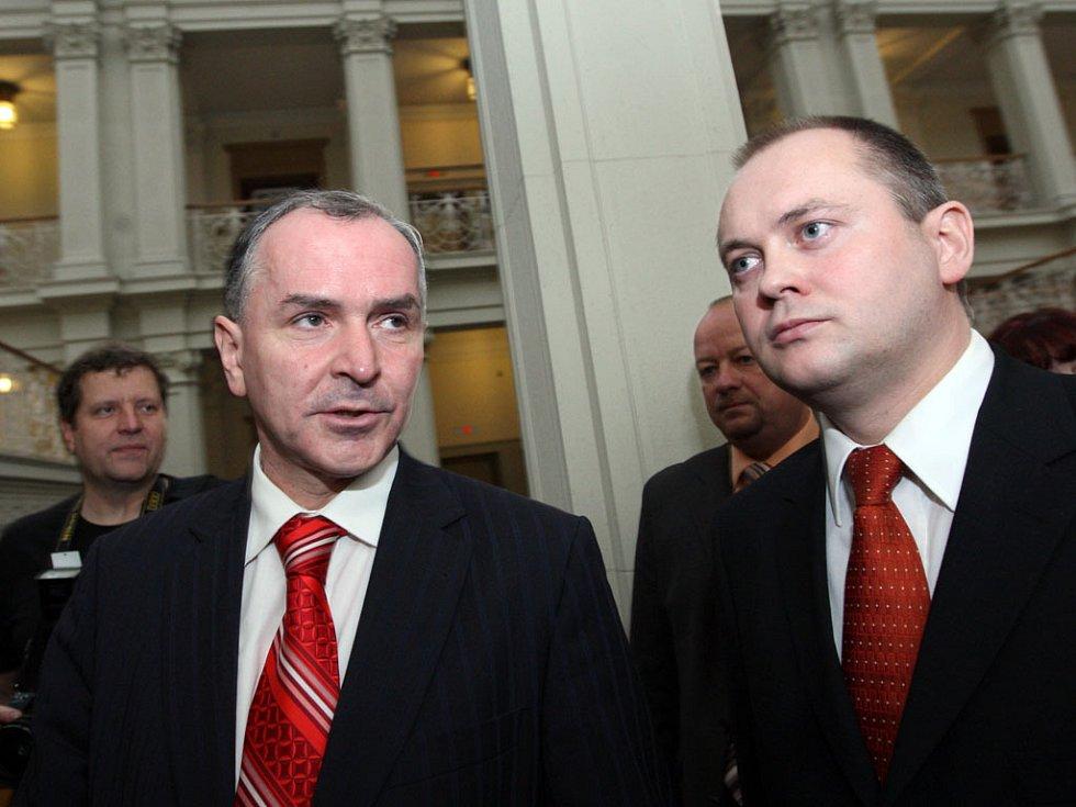První zasedání nového zastupitelstva - Stanislav Juránek a Michal Hašek.