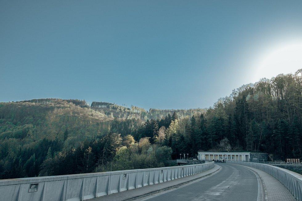 Vírskou přehradu najdete uprostřed trojúhelníku mezi Novým Městem na Moravě, Boskovicemi a Poličkou.