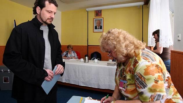 Do parlamentních voleb volili i vězni z bohunické vazební věznice.
