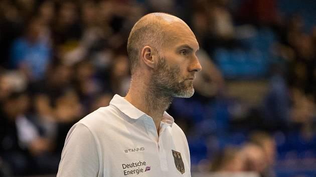 Trenér volejbalového Králova Pole Matúš Kalný.