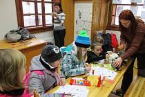 Přibližně dvacet dětí nakonec dorazilo do brněnské zoologické zahrady, kde si pro ně pracovnice ze Střediska ekologické výchovy Hlídka v sobotu dopoledne připravily zábavný program.