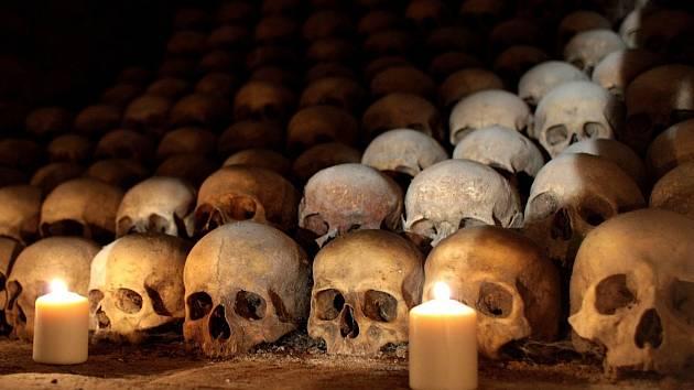 Kostnici navštíví za svitu svíček. Podzemí láká Brňany na netradiční zážitky