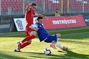 Brno 17.4.2019 - 23. kolo FNL mezi domácí Zbrojovkou Brno (Juraj Kotula - červená) a Pardubicemi (Pavel Sokol - modrá)