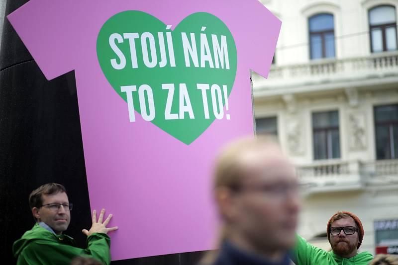 Zelení zakryli v kampani před volbami do Poslanecké sněmovny brněnský orloj.