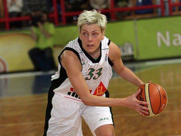 Basketbalistka Friska Sika Brno Jelena Škerovičová.