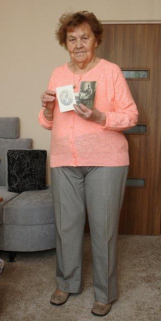 Eliška Kolečkářová vzpomíná na dobu, kdy jí bylo teprve osmnáct let. Komunisti její rodině vroce 1951vzali statek na Hodonínsku. Jejího otce Metoděje Hlobílka letos na konci března hodonínský okresní soud rehabilitoval.