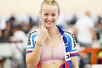 Veronika Jaborníková při sprintu na mistrovství světa v dráhové cyklistice.