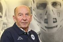Brankářská legenda hokejové Komety Vladimír Nadrchal.