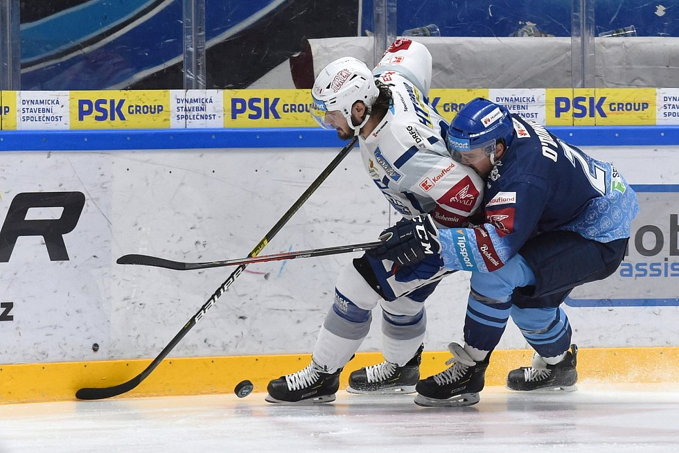 Brno 1.3.2020 - domácí HC Kometa Brno (bílá) proti Rytířům Kladno (modrá)