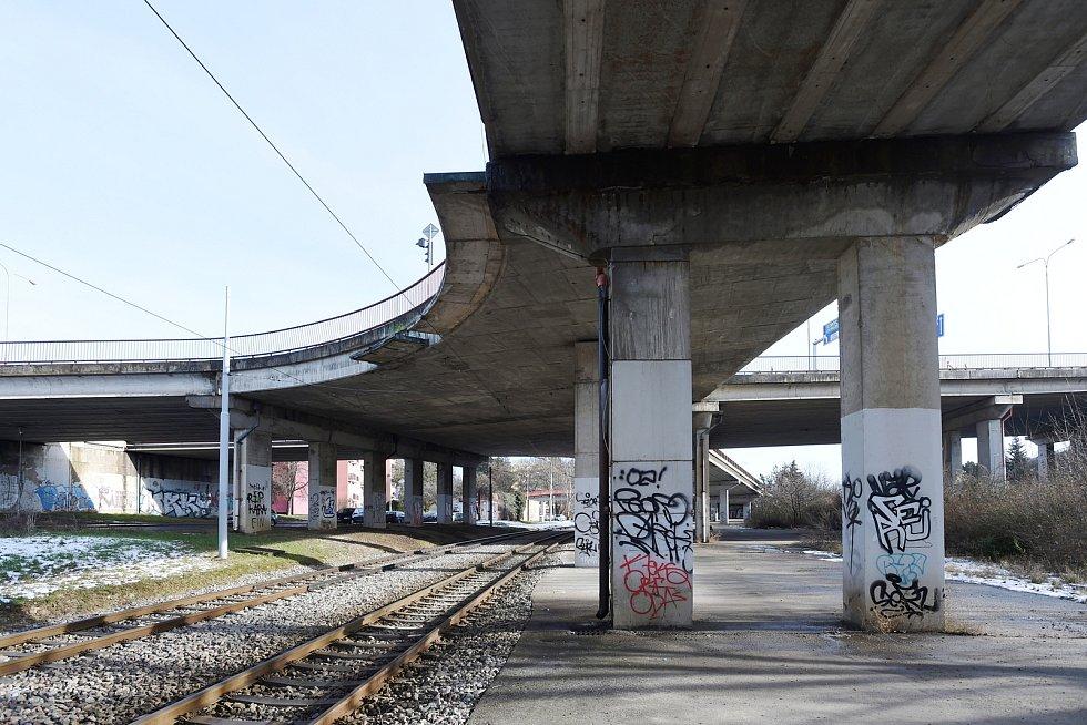Most v ulici Otakara Ševčíka nad ulicí Ostravská