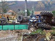 Nehoda bagru při výstavbě ve Skiareálu Klínovec.