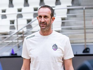 Nový trenér brněnských basketbalistů Chris Chugaz z Řecka.